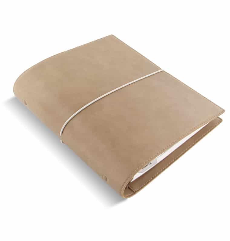 Découvrez l'agenda pour une vie WouaW sous forme de recharge compatible avec la marque Filofax. Cet agenda est outil de vie permet de noter ses objectifs, ses gratitudes, faire le point chaque mois sur les expériences vécues